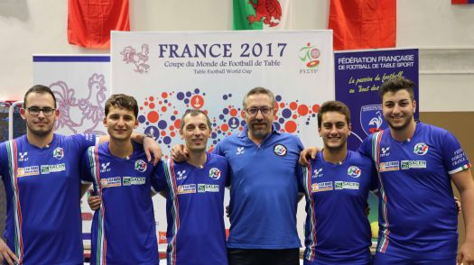 Nella foto la Nazionale italiana open insieme al commissario tecnico Finardi